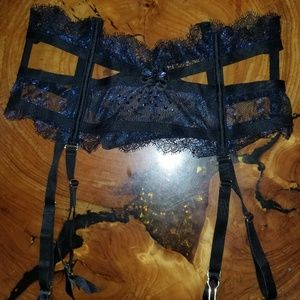 Victoria secret Garter  new with out tag